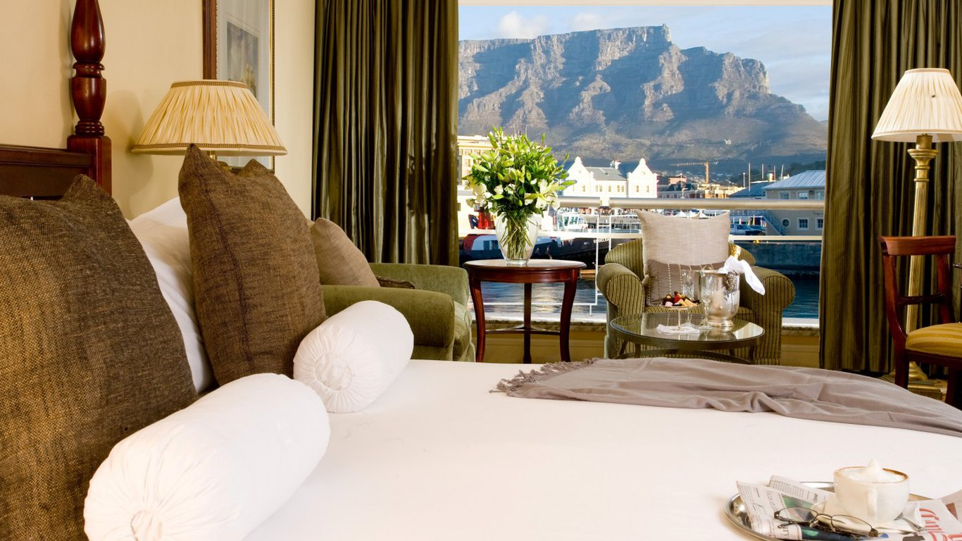 Table view hotel waterfront cape town for Table 85 address