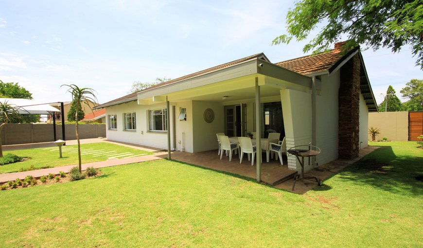 Stay2Live Hazelwood is a well-kept secret of old Pretoria east- This exceptional venue offers 2 luxury self-catering units. An elegant house and 1 bedroom apartment, are situated on 1 residential stand. in Hazelwood, Pretoria (Tshwane), Gauteng, South Africa