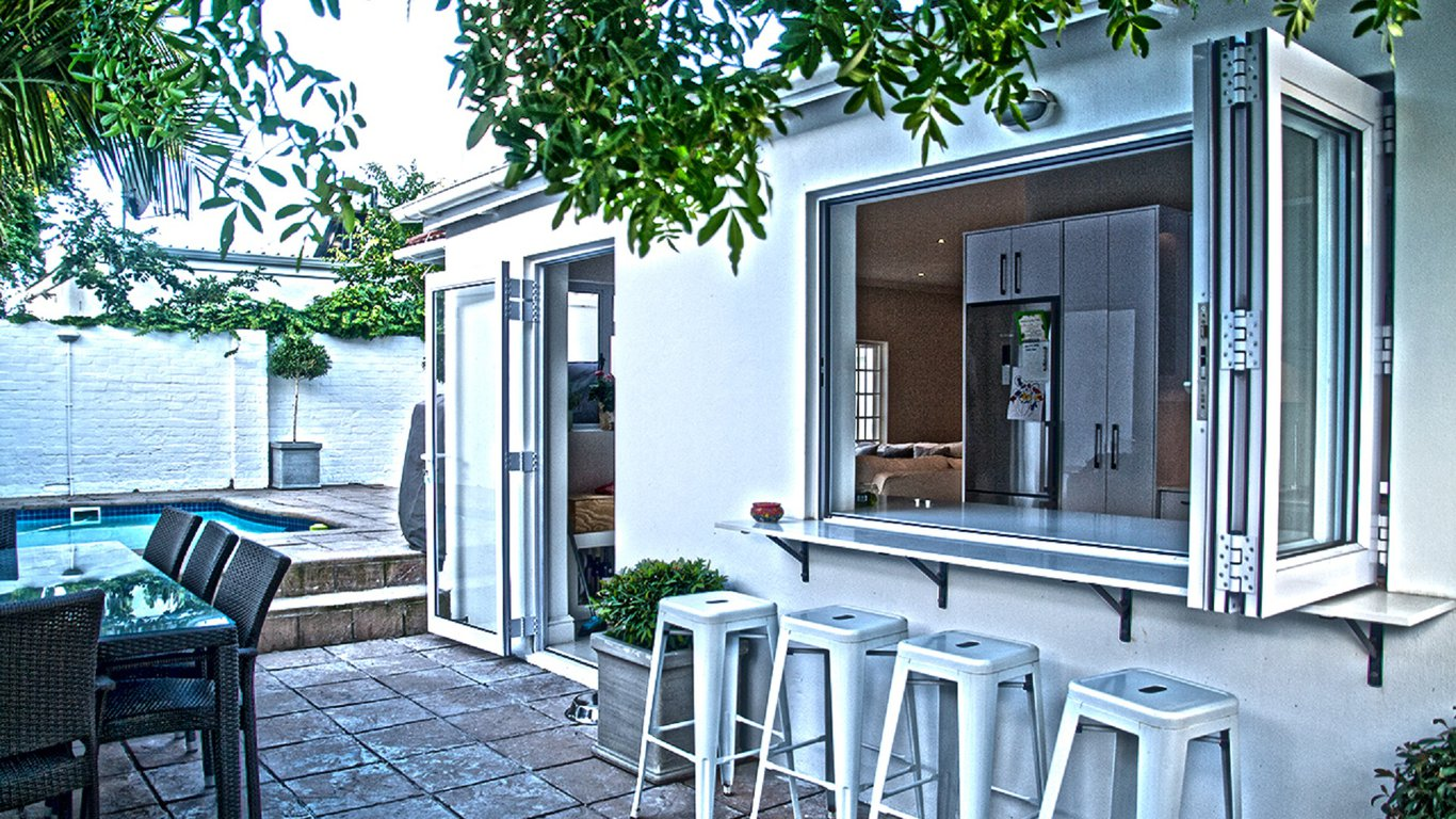 Draper Cottage in Newlands, Cape Town — Best Price Guaranteed
