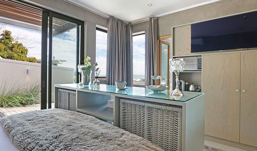 Jacuzzi Suite - Bedroom