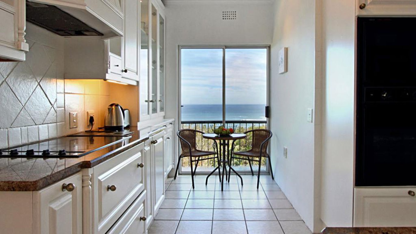 Villa Blanca in Camps Bay, Cape Town — Best Price Guaranteed