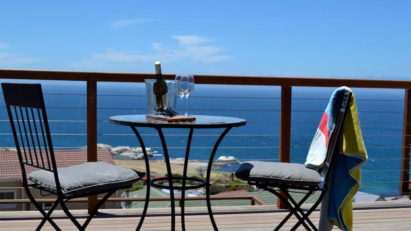 Oceans drift guest house in simons town cape town western cape south africa