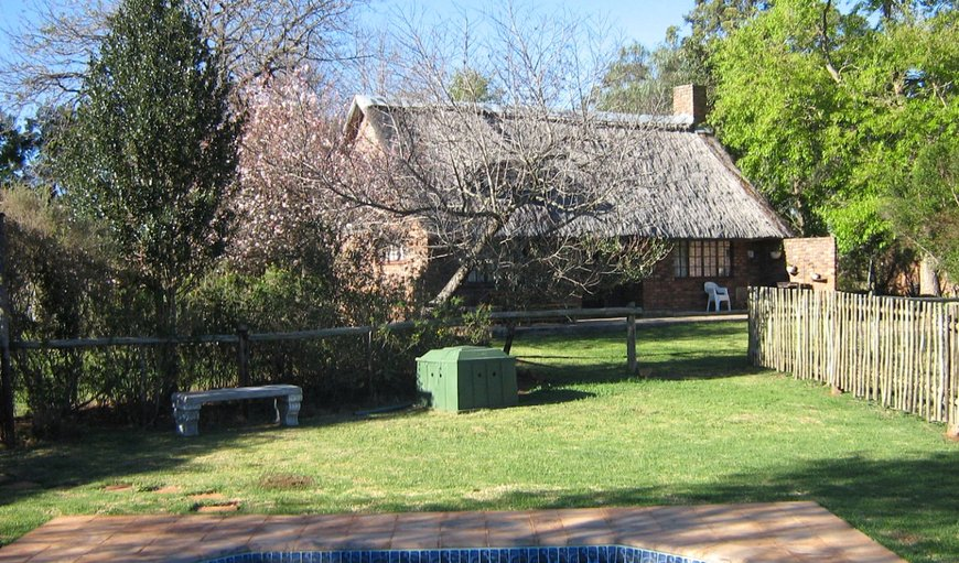 Thatched-roof Cottage in Stutterheim, Eastern Cape, South Africa
