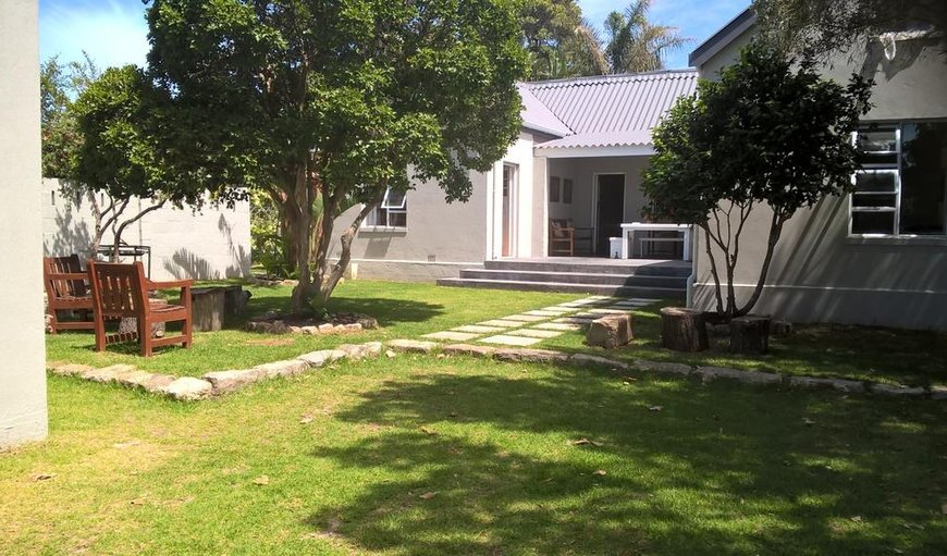 Welcome to the stunning Jakasa Guesthouse in Eastcliff, Hermanus, Western Cape, South Africa