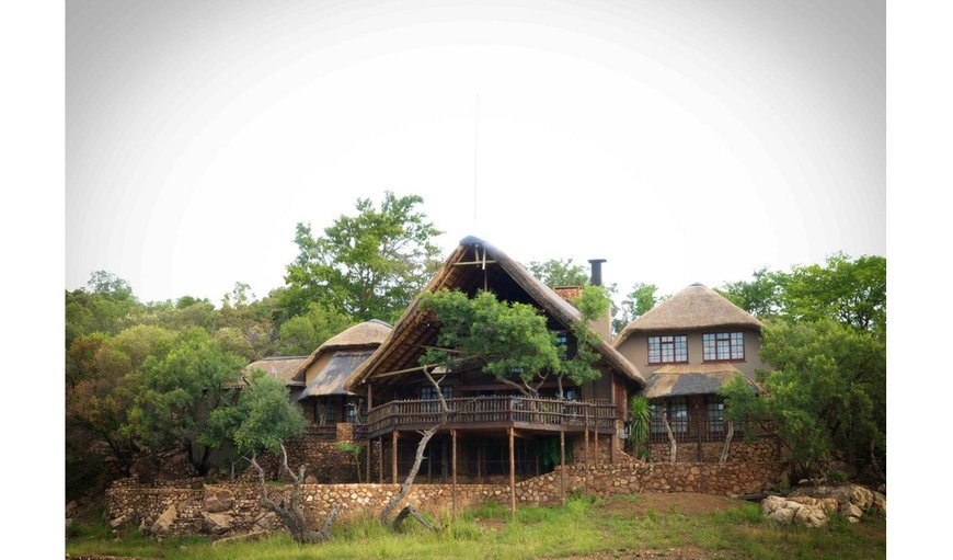 Welcome to Kaya Chane, thatched roof lodge that is situated in the Mabalingwe Nature Reserve. Ideal for a family or group looking for a comfortable bush breakaway, with a variety of attractions on-site and close by. in Bela Bela (Warmbaths), Limpopo, South Africa