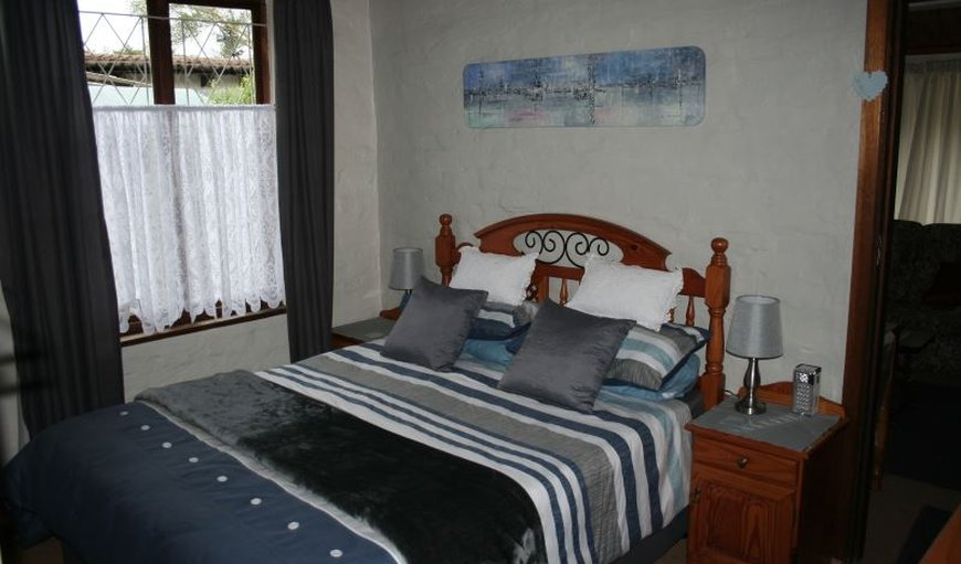 Bedroom with queen size bed in Howick, KwaZulu-Natal , South Africa