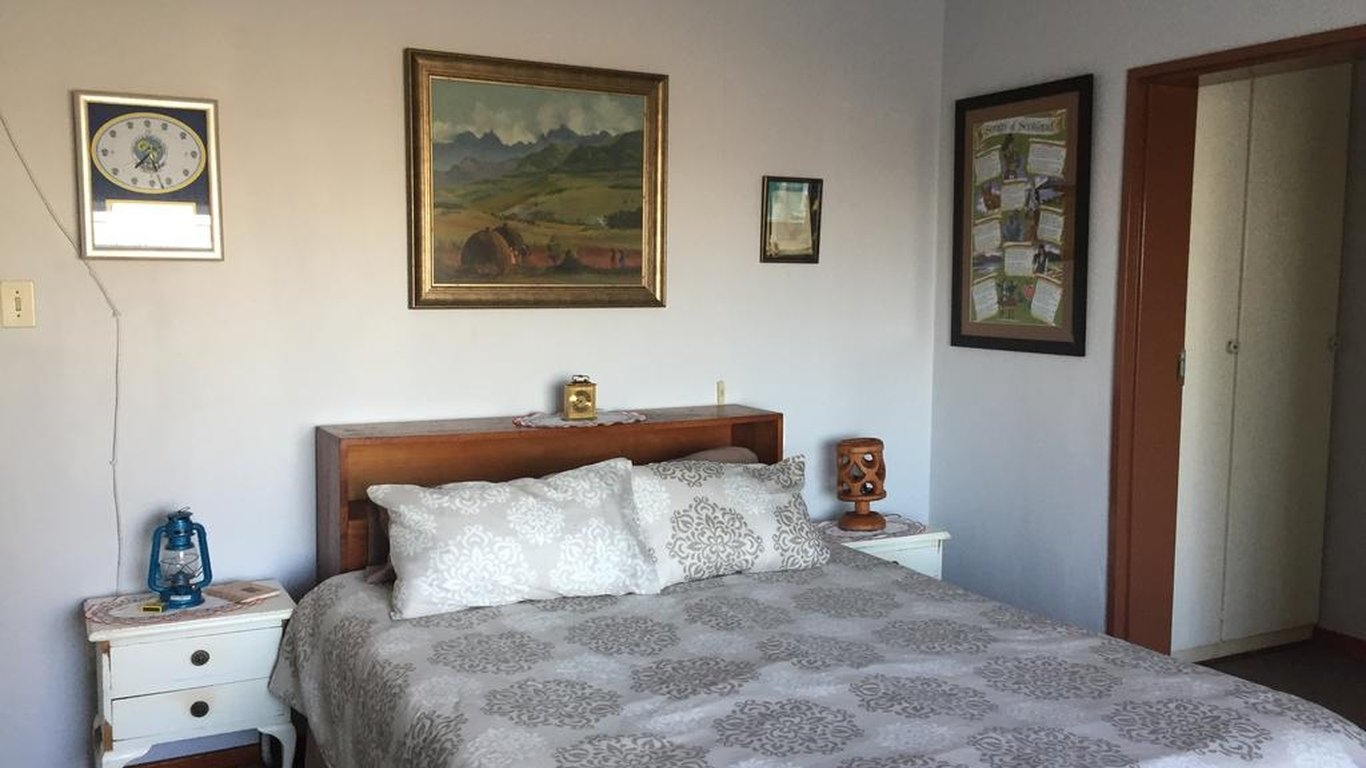 Guest En Suite Bathroom: Elwandle Guest House In Manzini