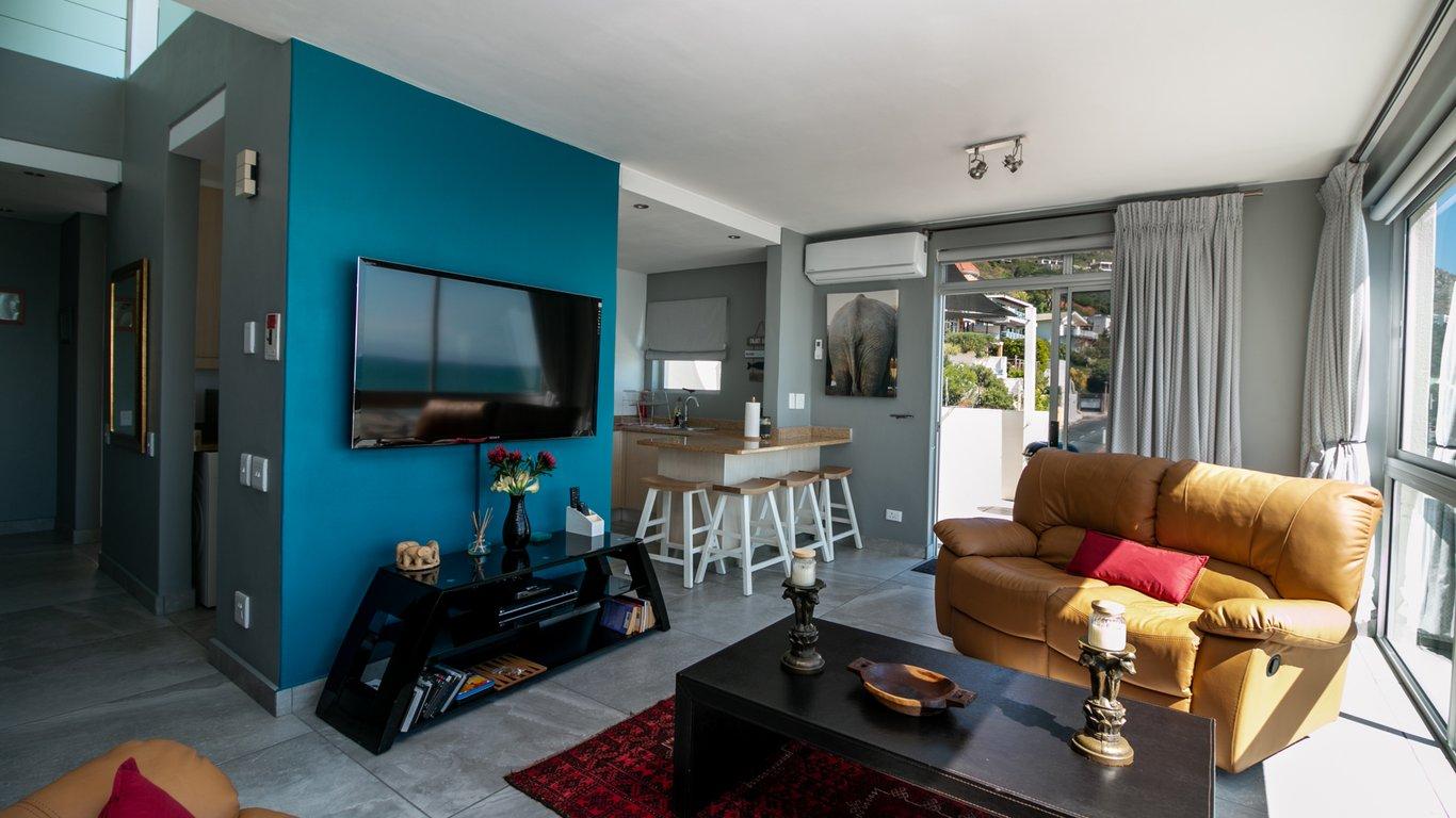 e004d0718061b Bikini Beach Penthouse in Gordon s Bay — Best Price Guaranteed