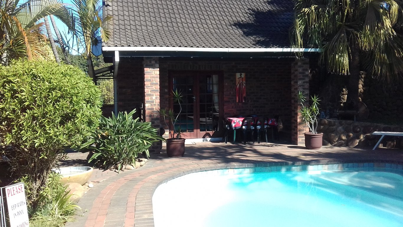 Smiths Cottage in Durban North, Durban — Best Price Guaranteed