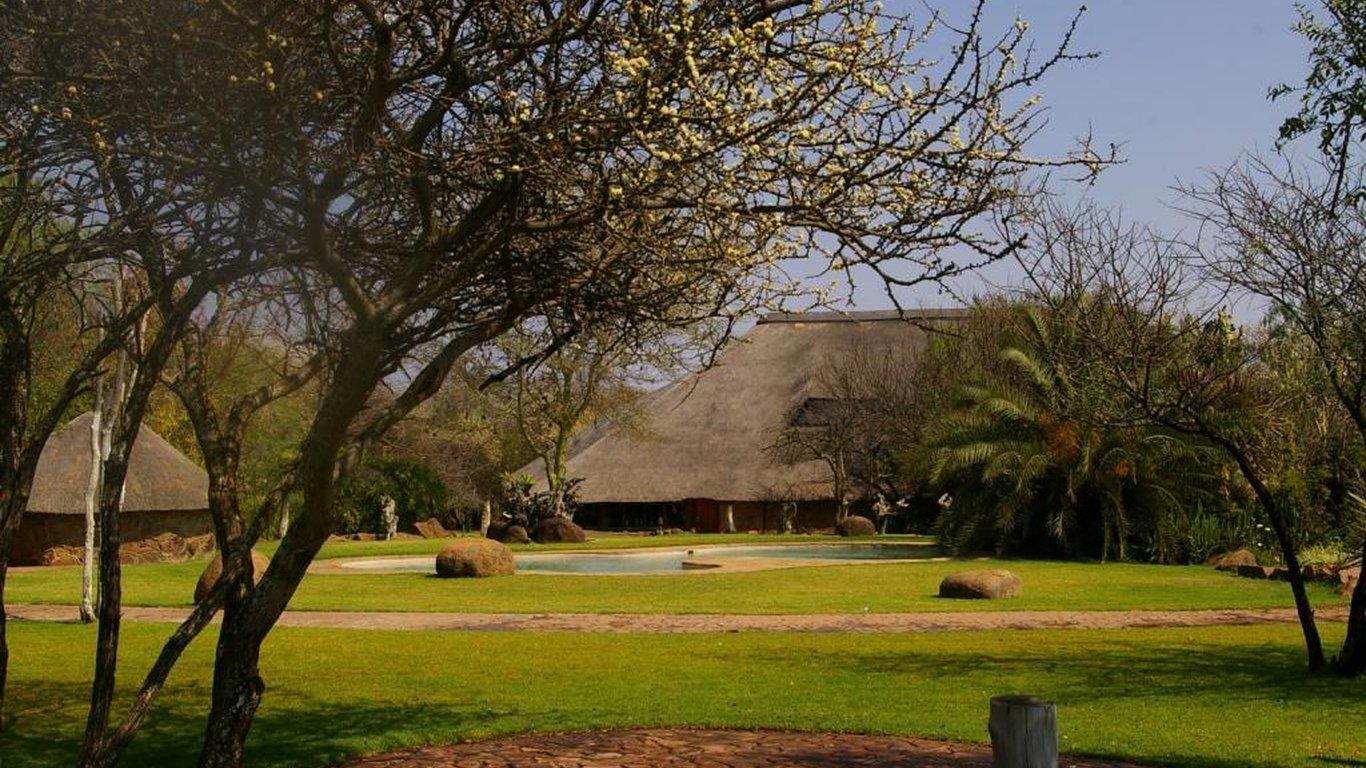 Kwalata Game Lodge In Dinokeng Game Reserve Hammanskraal