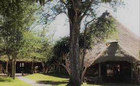 Tawni Safari Lodge image