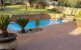 JoziStay Kloofside Guesthouse image