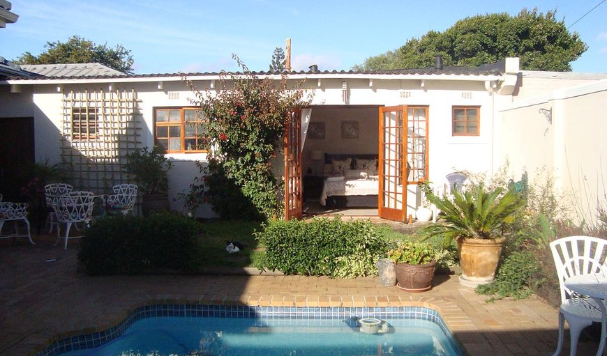 Welcome to Di's Cottage in Plumstead, Cape Town, Western Cape, South Africa