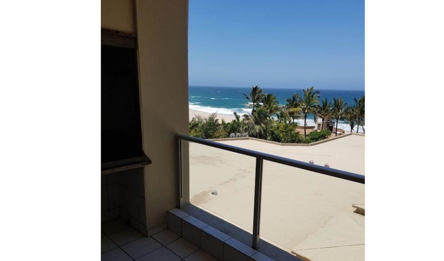 Rondevoux 14 is located in the secure Rondevoux apartment complex in the heart of Margate overlooking the main Blue Flag beach. in Margate, KwaZulu-Natal , South Africa