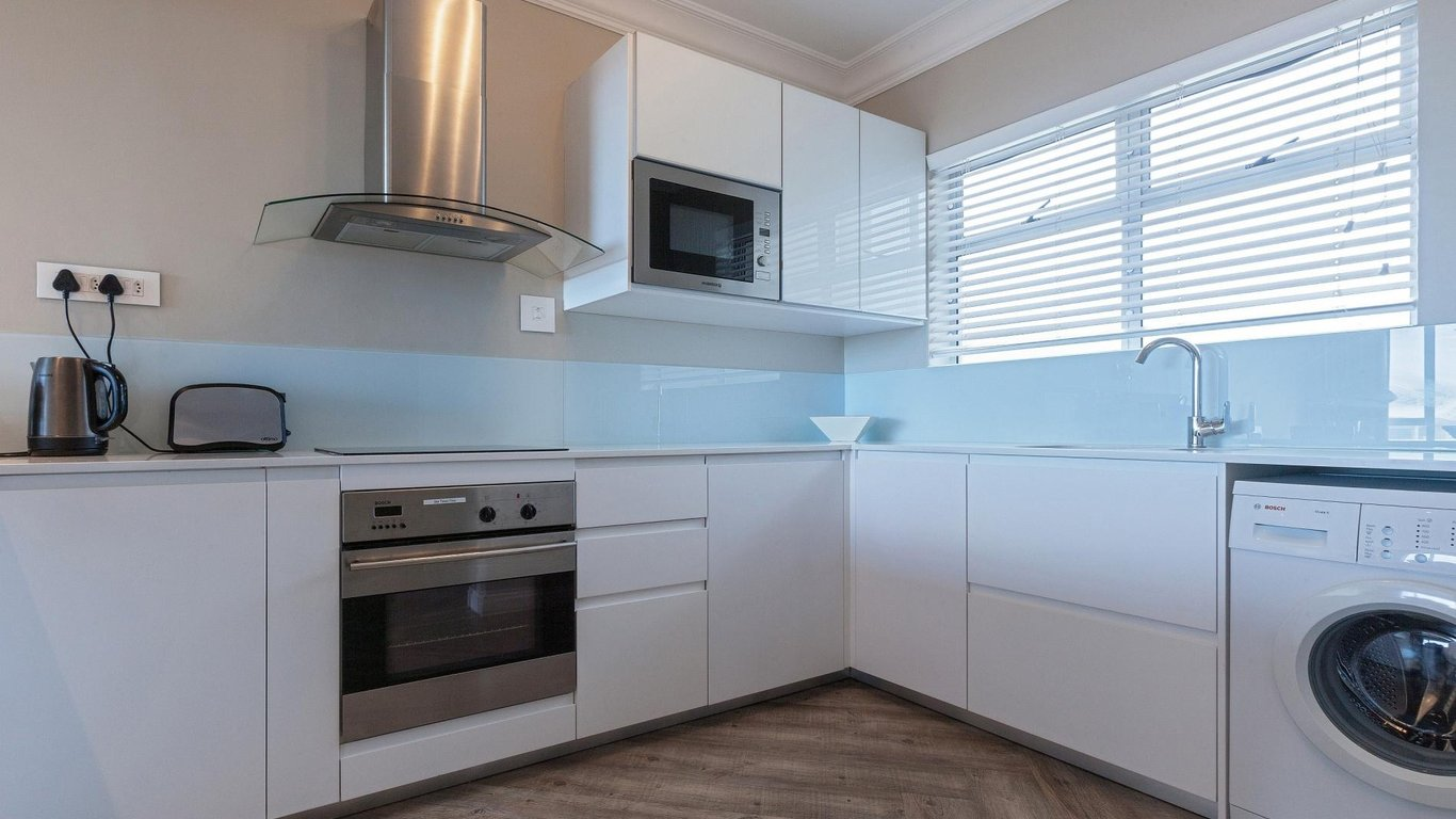 503 Warren Heights by CTHA in Tamboerskloof, Cape Town — Best Price ...