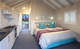 Brenton On Sea Cottages - Cozy Cabin Nr. 3 image