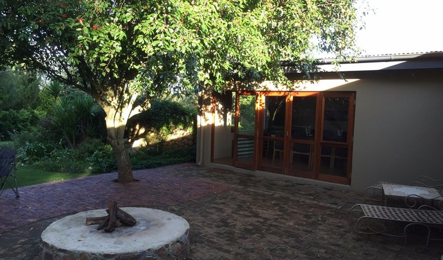Outside area / fire-pit lapa area great for outside entertainment