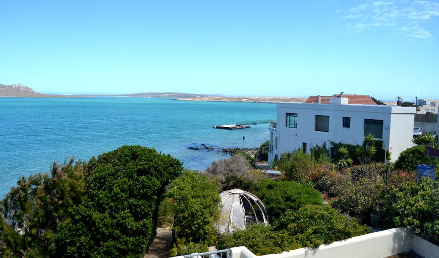 Lagoon Escape is a beautiful self catering holiday home situated in Langebaan.