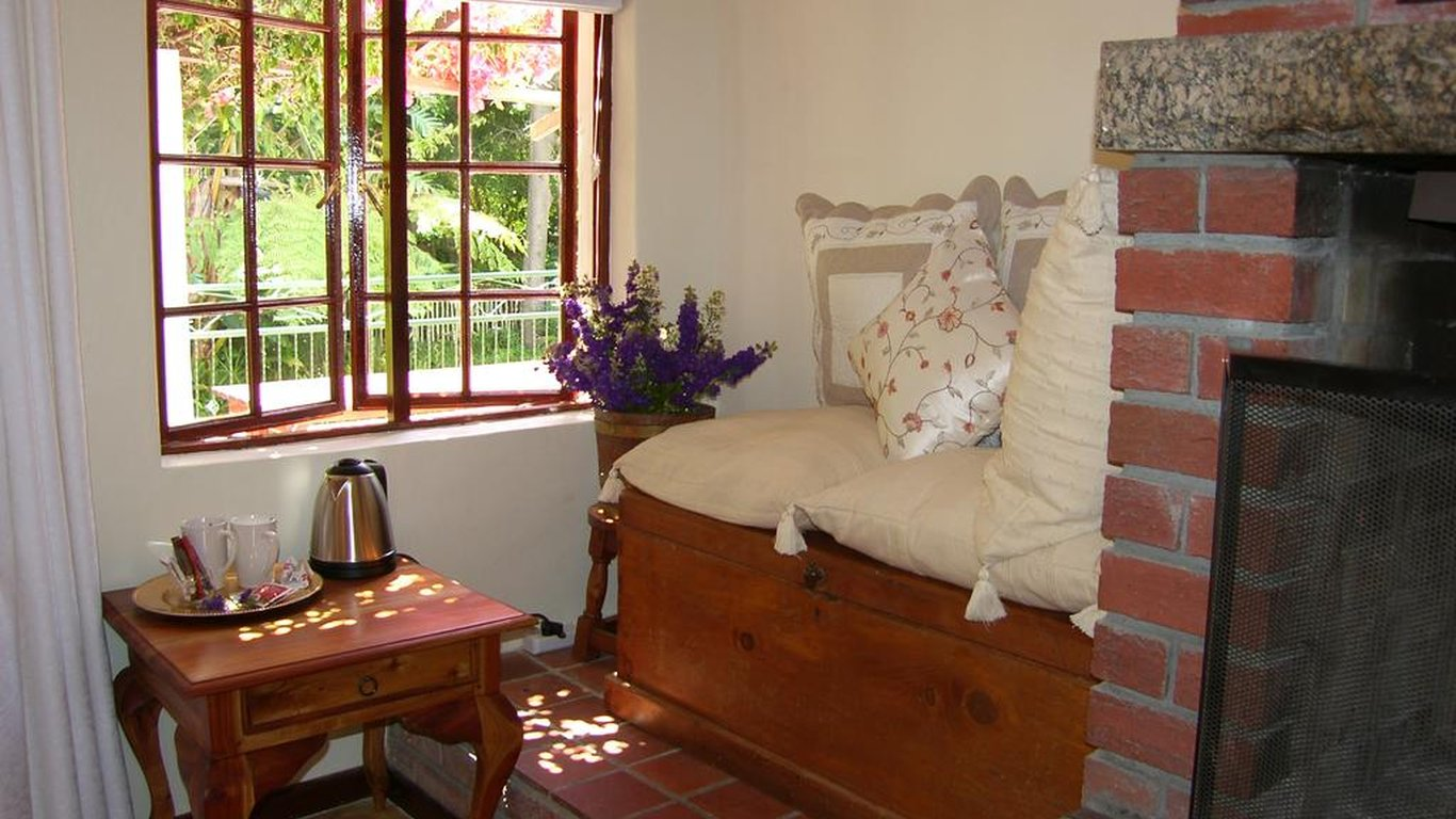 Sacred Mountain Lodge - Willow Suite in Noordhoek, Cape Town