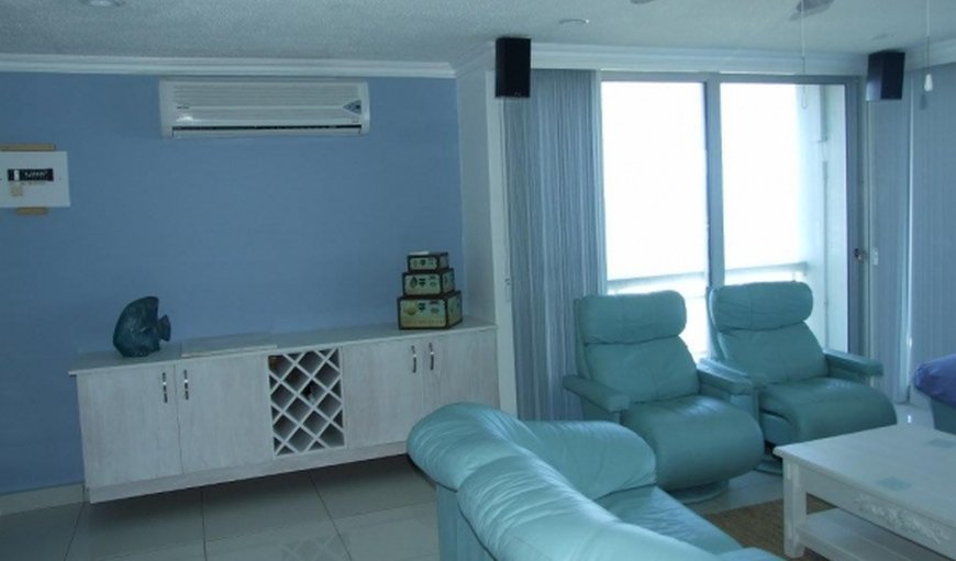 Lounge with an air conditioner
