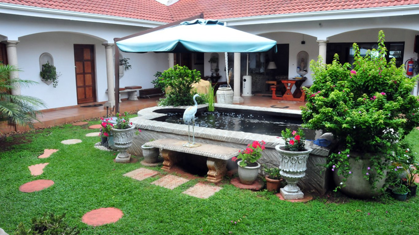 Centre Court B&B in Durban North, Durban — Best Price Guaranteed