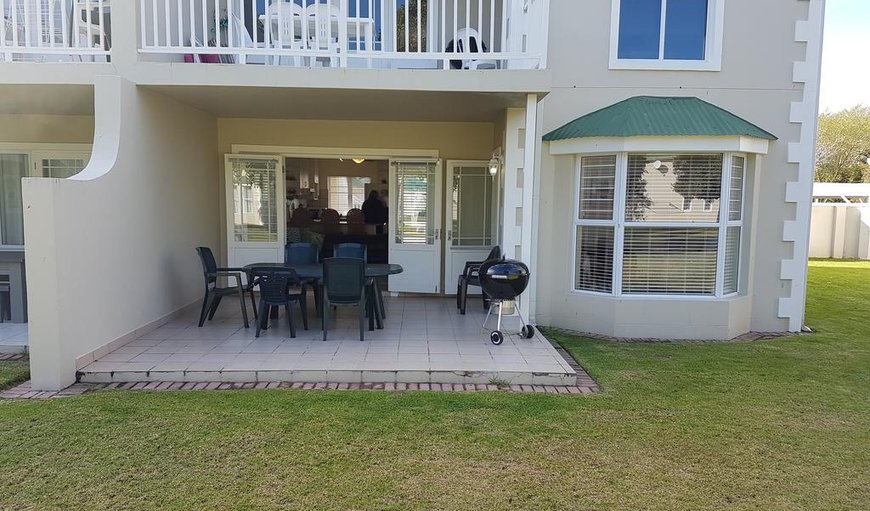 30 River Club is a ground floor unit overlooking the river in Plettenberg Bay, Western Cape , South Africa