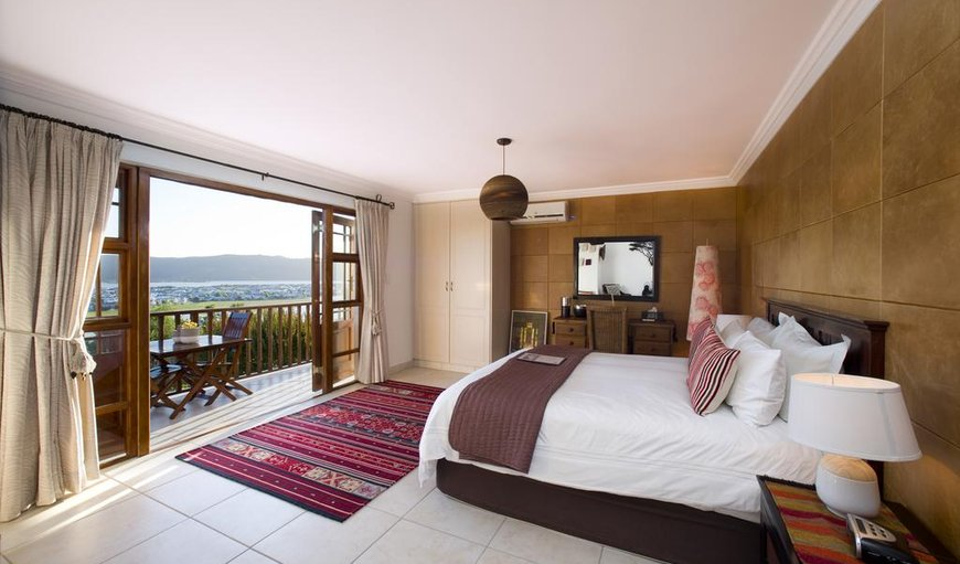Welcome to the Sand Room -suitable for Honeymooners in Upper Old Place, Knysna, Western Cape, South Africa