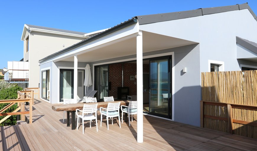 Welcome to Cliff Lodge Cottage in De Kelders, Gansbaai, Western Cape, South Africa