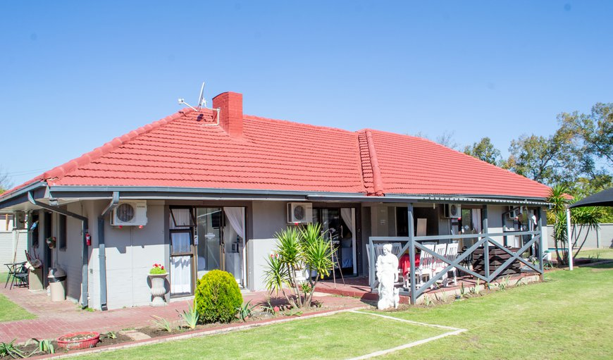 Welcome to Sinesan Guesthouse in Three Rivers, Vereeniging, Gauteng, South Africa
