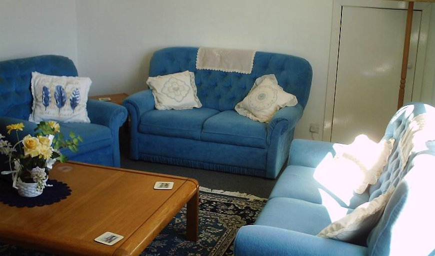 Lounge 3 bed apartment