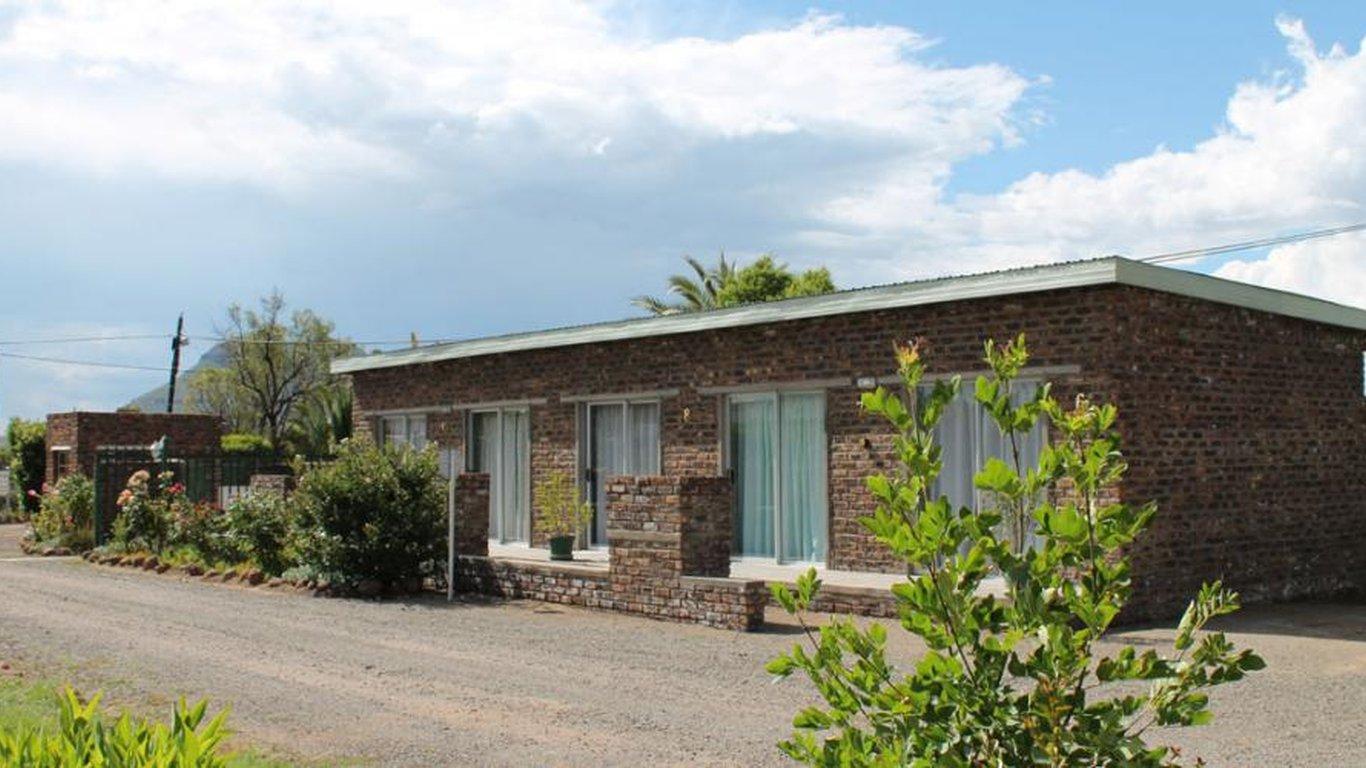 Onze Rust Guest House and Caravan Park in Colesberg — Best