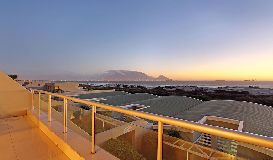 Dolphin Beach H104 is a three bedroom apartment situated in a complex in the lovely coastal area of Bloubergstrand.