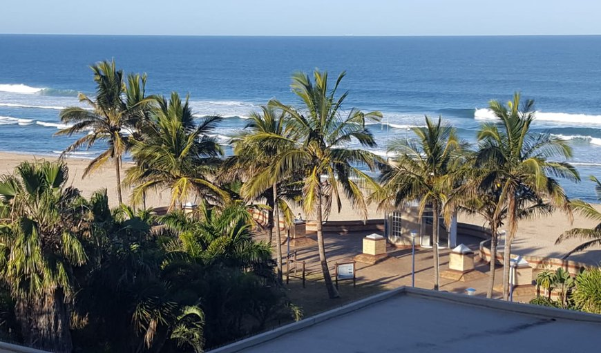 Rondevoux 20 is located in the secure Rondevoux apartment complex in the heart of Margate overlooking the main Blue Flag beach. in Uvongo, KwaZulu-Natal , South Africa