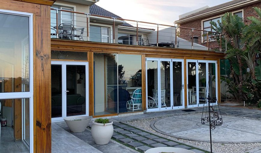 Welcome to Ocean Beach House in Jeffreys Bay, Eastern Cape, South Africa