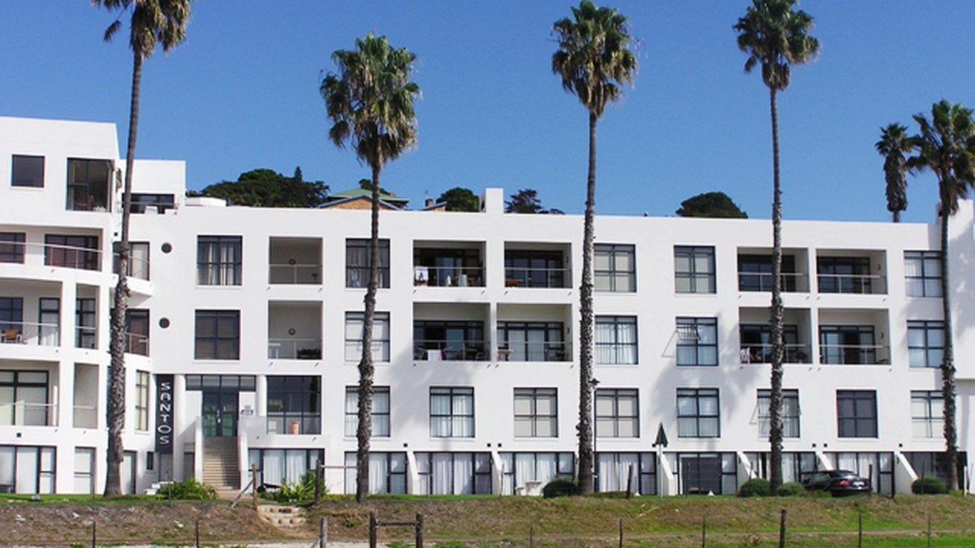 b376e147a8e Santos Beach Flat in Mossel Bay — Best Price Guaranteed