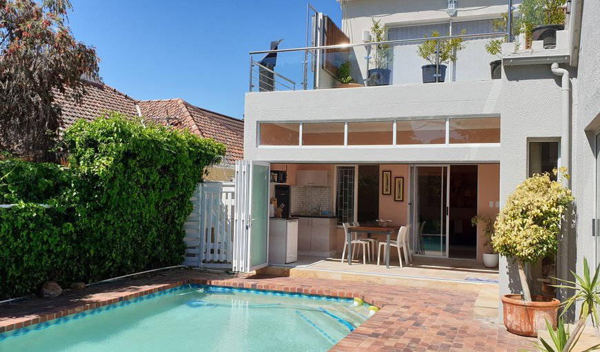 Welcome to Top Nosh Cottage in Bergvliet, Cape Town, Western Cape, South Africa