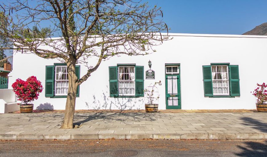 Welcome to 166 Cradock Street in Graaff Reinet , Eastern Cape, South Africa