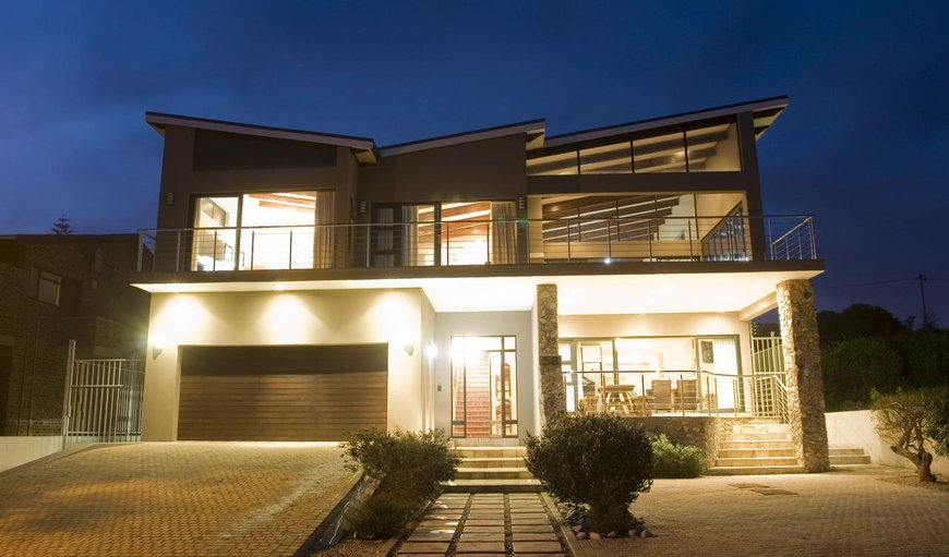 Welcome to Whalesong Villa in Sandbaai, Hermanus, Western Cape, South Africa