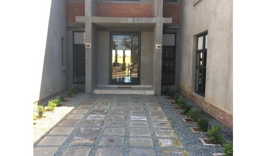 Greens and Dreams 314 is a beautiful self catering holiday home situated on the Vaal de Grace Golf Course.
