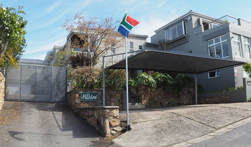 Residential Area, very close to all shopping areas and Knysna Mall, Superstar, 7 minutes from the Waterfront. Each Apartment has a private terrasse/balcony for bbq.