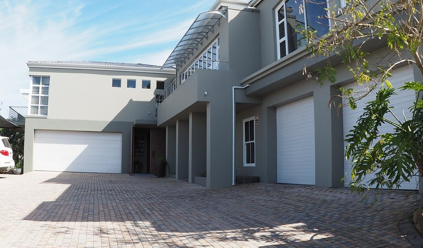 Completely renovated in 2018, new owners, Four Star Graded by the South African Grading Council.