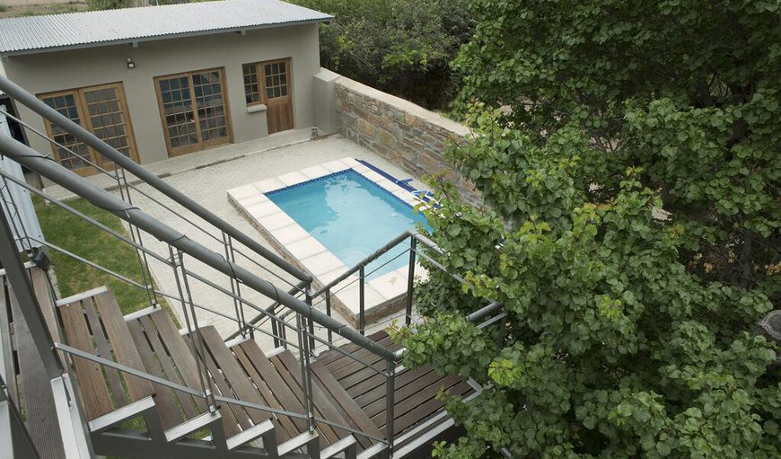 Pear Cottage features an outdoor swimming pool