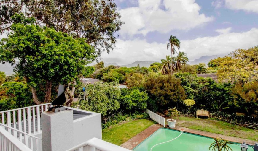 Welcome to Protea Cottage - Beautiful views in Bergvliet, Cape Town, Western Cape, South Africa