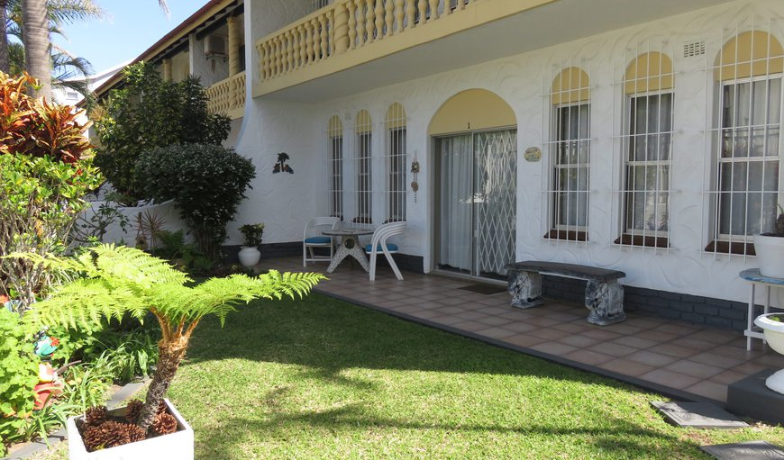 Sie-Esta 1 is a three bedroom, self catering holiday duplex in Manaba Beach