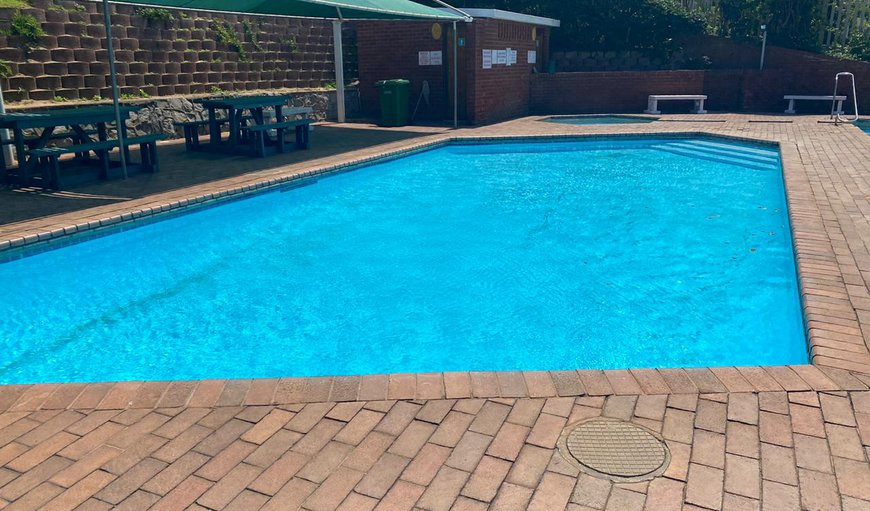 The complex offers a communal pool and braai facilities