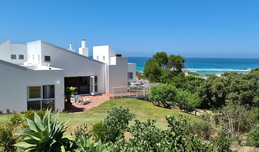 Welcome to Southern Cross Beach House in Southern Cross, Groot Brakrivier, Western Cape, South Africa