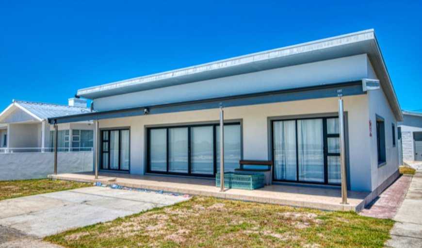 Welcome to Kusweg Noord 3 in Struisbaai, Western Cape, South Africa