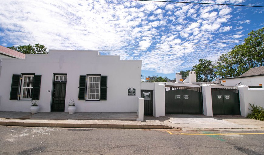 Welcome to 7 Cross Street in Graaff Reinet , Eastern Cape, South Africa