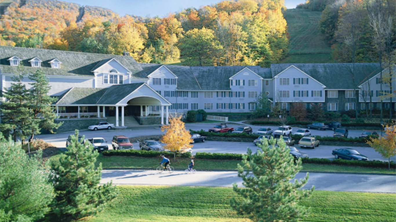New england country inn vacation homes in jiminy peak for New england country homes