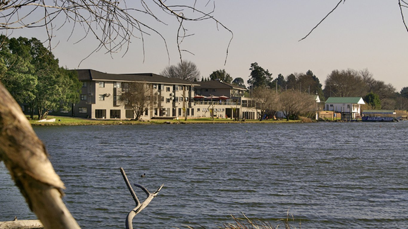 Hotel The Lakes In Benoni